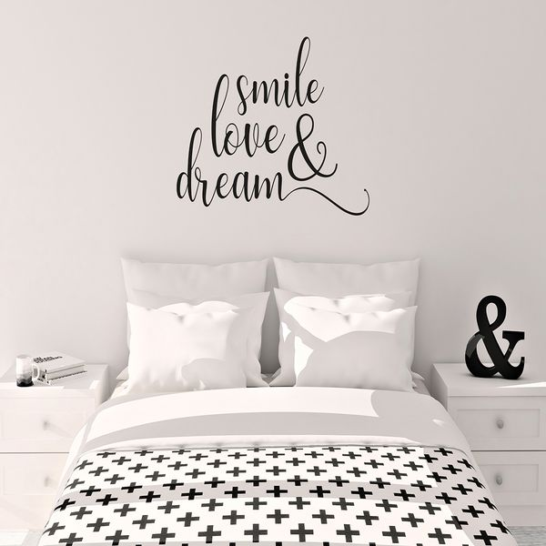 Vinilo-Decorativo-Smile-Love---Dream-50-60-Cm