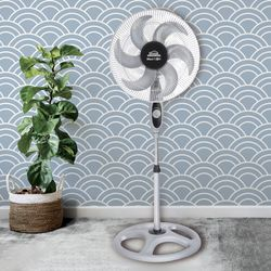 Ventilador-Pedestal-18P-Maxi-Flow-6-Aspas-Rejmet-85W-Gris