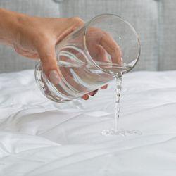 Protector-De-Colchon-Sencillo-Impermeable-Acolchado-Antifluido-Blanco